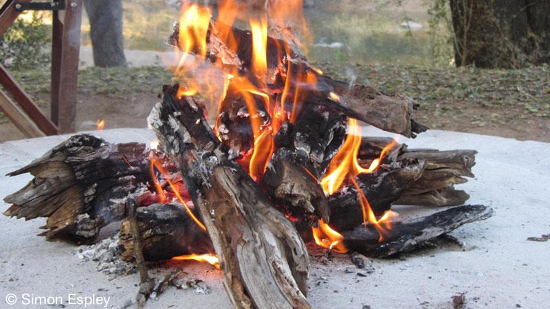 Fireside Drinks - Limpopo-Lipadi Private Game Reserve, Botswana