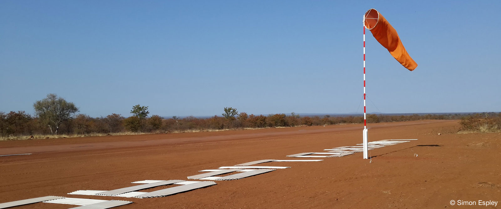 Private International Airstrip - Limpopo-Lipadi Private Game Reserve, Botswana